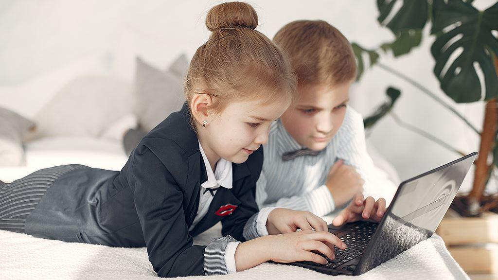 孩子使用手机:父母应严格控制还是明令禁止? 📵