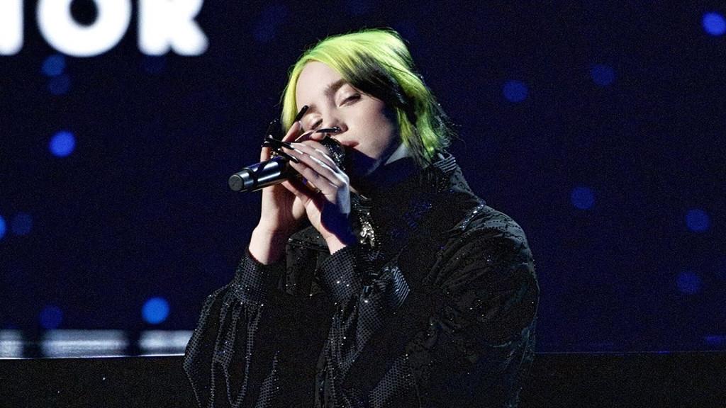 奥斯卡悼念逝去影人环节,Billie献唱Yesterday
