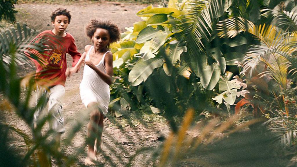 电影《小国》法语版预告,原作横扫4项文学大奖??