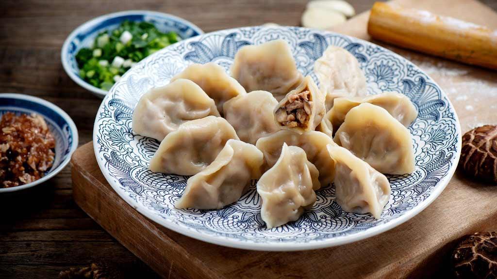 过新年吃饺子,品尝那一口浓浓的乡情❤